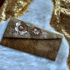 VINTAGE/ Gold Beaded Clutch